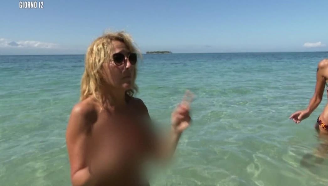 Jo Squillo in topless