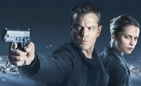 Matt Damon e Alicia Vikander in Jason Bourne