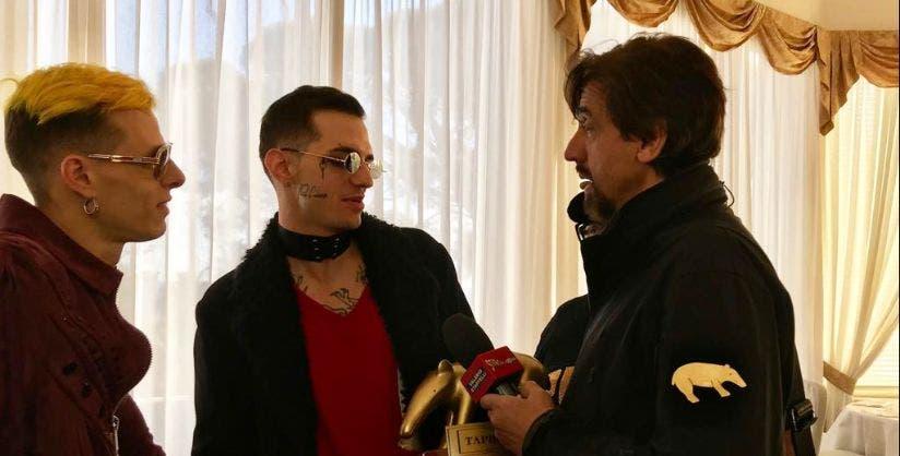 Tapiro D'oro ad Achille Lauro (sito Striscia la Notizia)