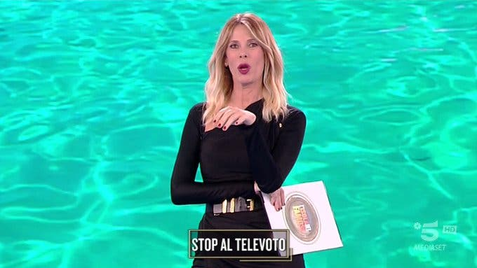 Alessia Marcuzzi - Ottava puntata Isola dei Famosi 2019