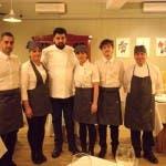 Cucine da Incubo 7 - Antonino Cannavacciuolo con lo staff del ristorante Aquila