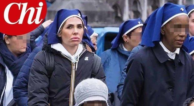 Ilary Blasi a Lourdes (foto Chi)