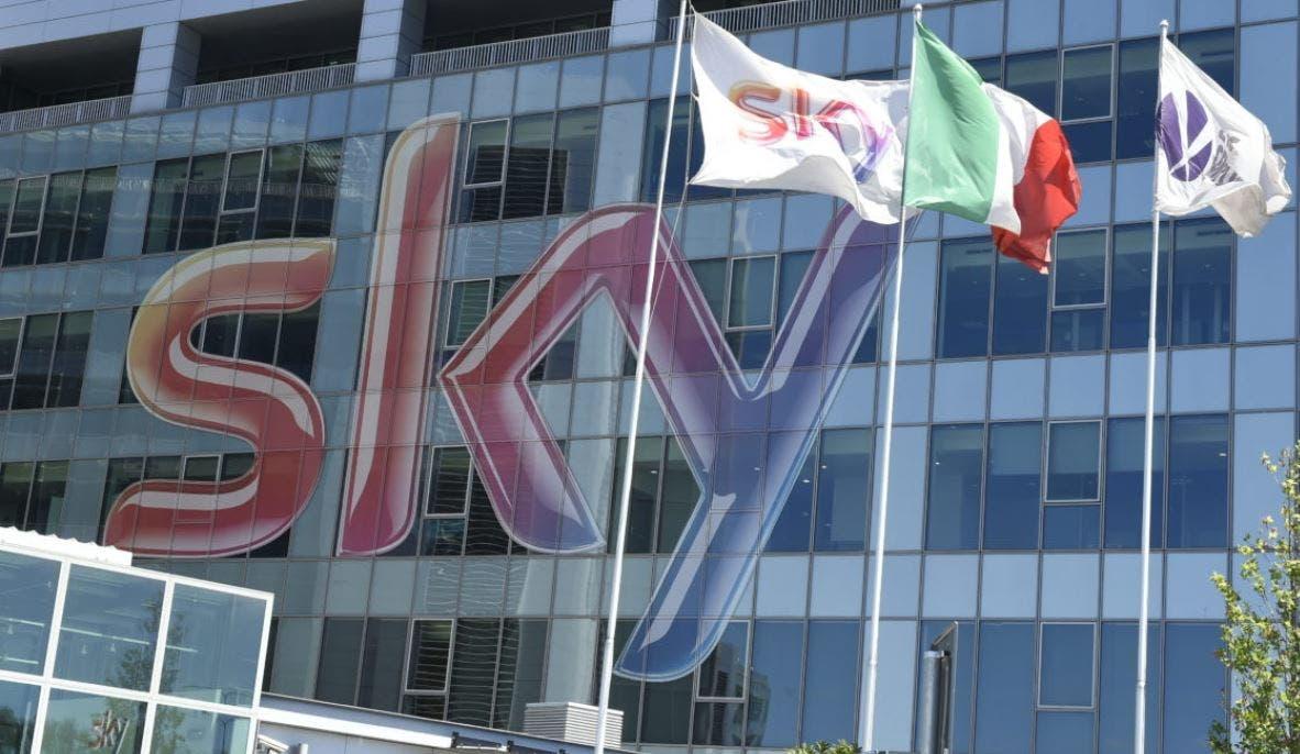Antitrust: Sky può acquisire R2 (ramo Mediaset Premium), ma