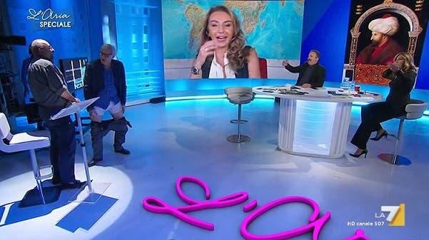 Sgarbi mostra le mutande - L'Aria Che Tira