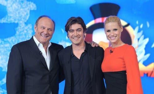 Gerry Scotti, Riccardo Scamarcio e Michelle Hunziker a Paperissima nel 2013