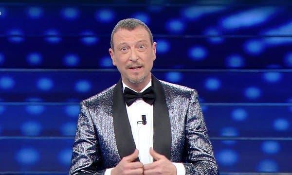 Sanremo 2021, Chiara Ferragni al fianco di Amadeus? Si avvicina il debutto da conduttrice