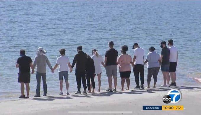 Il cast di Glee al lago Piru