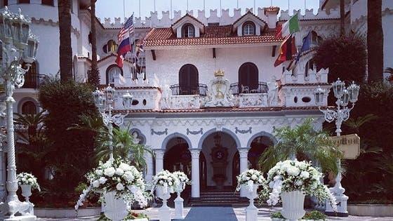Il Castello delle Cerimonie chiuso: tre casi di Coronavirus