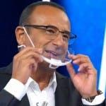 Carlo Conti, mascherina trasparente
