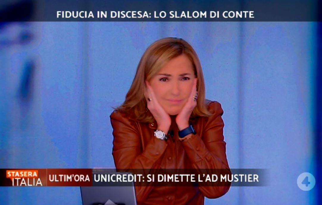 Stasera Italia, salta l'audio: Palombelli assordata da fischi e scoppi – Video