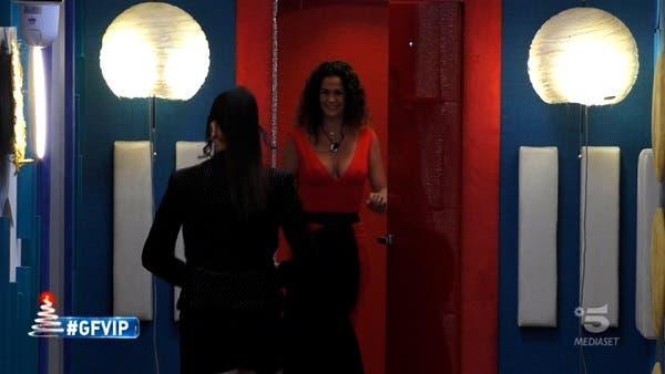 Samantha De Grenet entra nella Casa - GF Vip 5