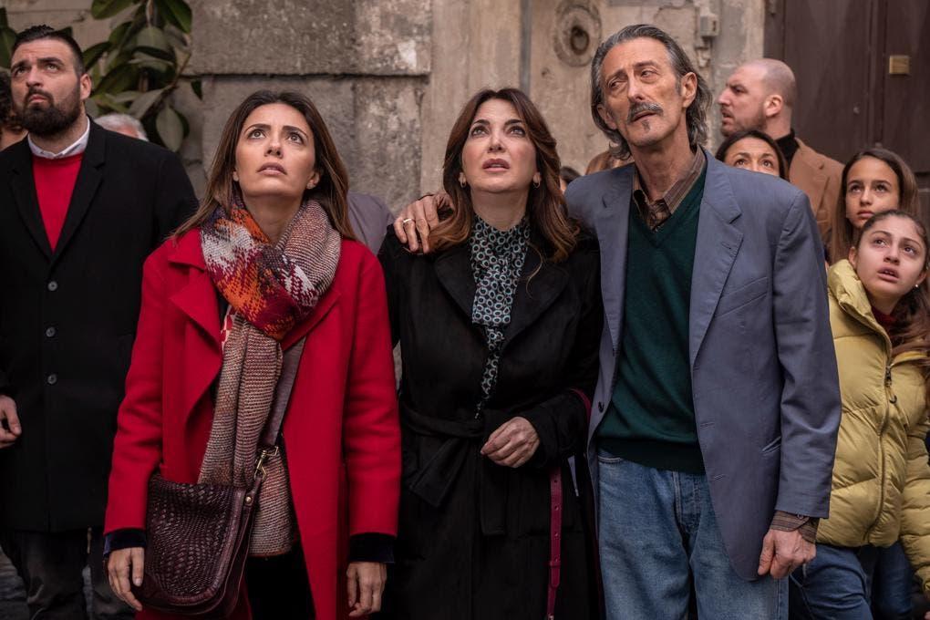 Mina Settembre - Serena Rossi, Rosalia Porcaro e Nando Paone