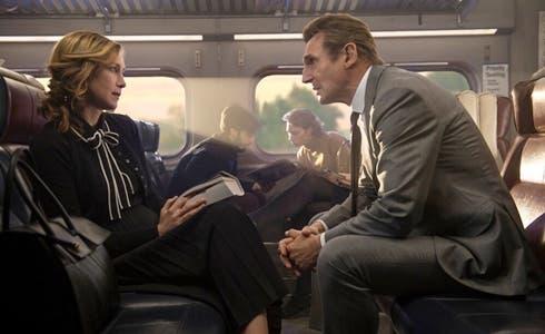 Vera Farmiga e Liam Neeson in L'uomo sul treno