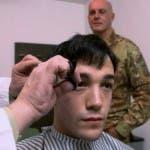taglio capelli caserma