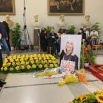 Maria De Filippi, camera ardente Raffaella Carrà (foto Fanpage)