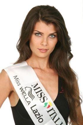 Claudia Loy (Miss Cinema 2009)