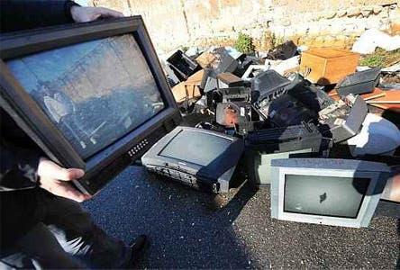 Switch off Digitale Terrestre Napoli e Campania, Abbandono Tv per Strada